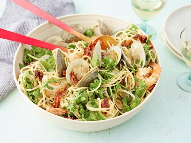 Spaghetti with Pinot Grigio
